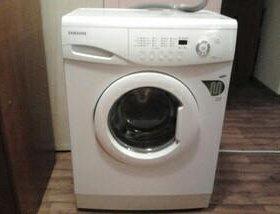 Машинка стиральная Самсунг WF-S1061