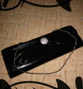 Черный клатч на цепочке новый