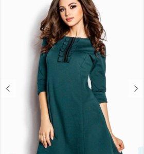 Продам платье новое размер 42-44