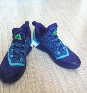 Баскетбольные кроссовки Adidas