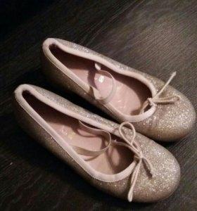 Туфли для девочки размер 31-32