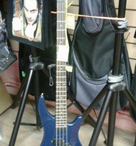 Бас гитара brahner