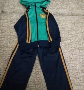 костюм спортивный,24 размер( 2-4 года)