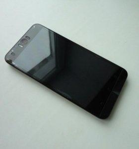 Телефон ASUS ZenFone Selfie 32 гб