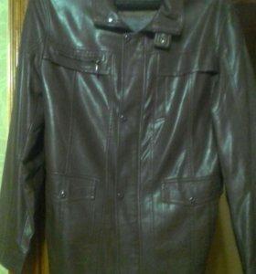 Продам мужскую куртку размер 50.тонкая