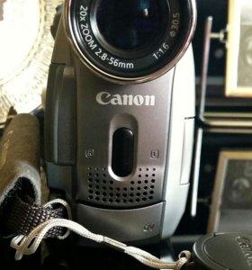 Видеокамера Сanon MV730i