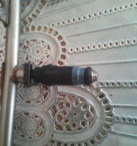 Продам топливный рамп на ваз матор1,6 16 клапаный