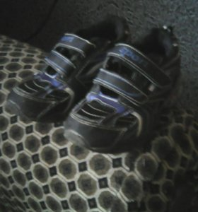 Кроссовки для мальчика 27 р