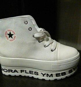 Новые кеды-ботинки