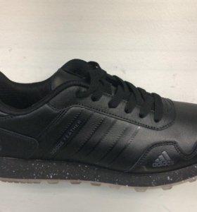 Мужские кроссовки Adidas кожаные.