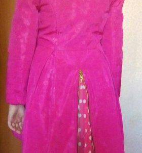 Куртка на девочку 7-9лет