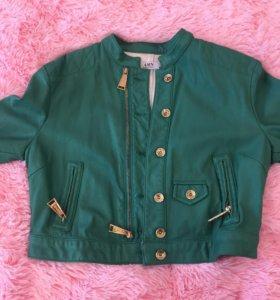 Укорочённая курточка из мягкой ЭКО кожи