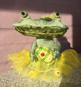 Подарок к Пасхе статуэтка игрушка лягушка Руч рабо