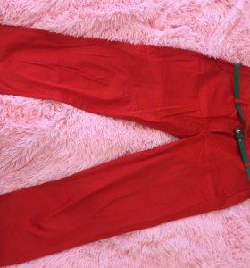 Красные брюки ostin