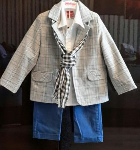 Костюм (пиджак,джинсы, рубашка, шарфик )