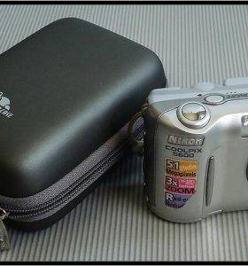 Цифровой фотоаппарат Nikon Coolpix 5600.