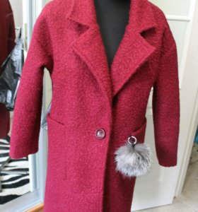 Новое шерстяное пальто цвета марсала