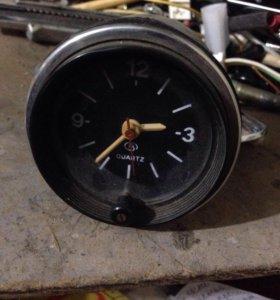 Часы 2106