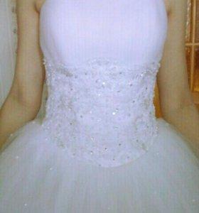 Продам свадебное платье размер 42