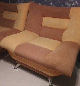 2 удобных кресла,уступлю