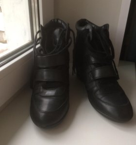 Ботинки сникерсы ASH