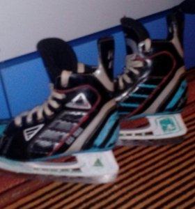 Хоккейные коньки БУ