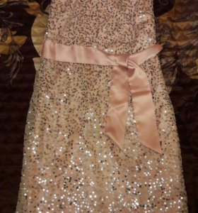 Платье новое с паетками (новое)