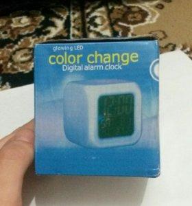 Светящиеся цифровые часы (новые)