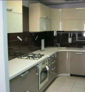 Кухонный гарнитур, новый, 2,5х1,8