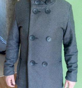 Пальто мужское 48 р-р