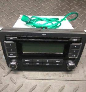 RCD 030 с USB для VW