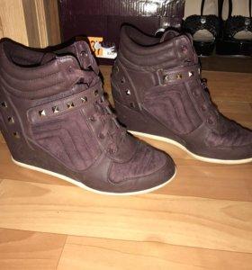 Обувь ботики сникерсы