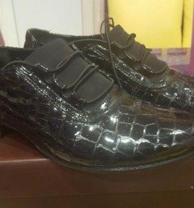 Туфли лаковые 37 размера