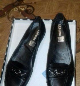 новые туфли на низком каблуке