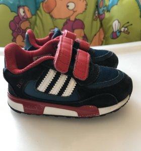 Кроссовки Adidas р.23