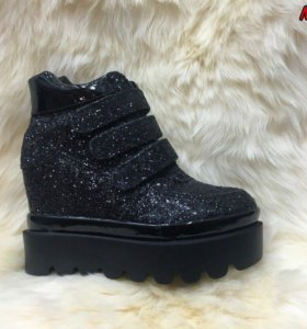 Новые ботинки 39 весна-осень