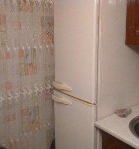 Холодильник двух камерный.