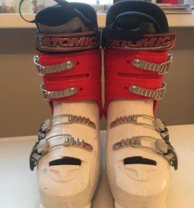 Детские горнолыжные ботинки Atomic RJ Junior