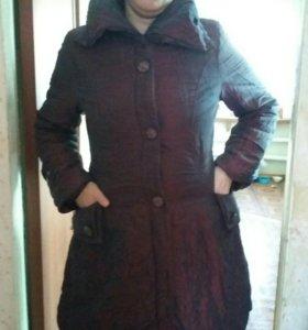 Куртка- пальто.В хорошем состоянии.