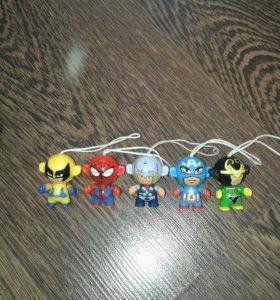 Игрушки брелки супергерои