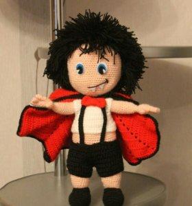 Кукла вязаная Влад вампир