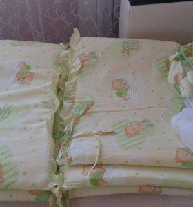 Бортики в кроватку с балдахином