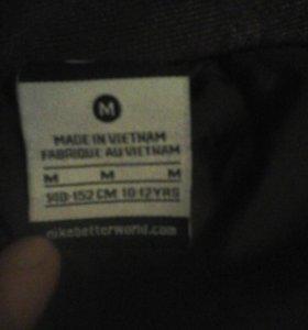 Куртка одевал два три раза почти новая.