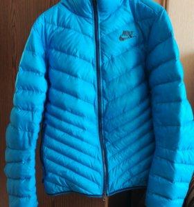 мужской пуховик Nike Cascade jacket —700