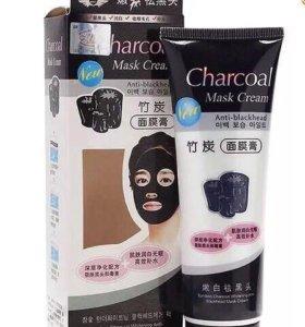 Угольная маска от чёрных точек и акне