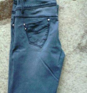 Джинсы-брюки 28 размер(46-48)