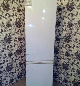 Холодильник ariston.б/у.