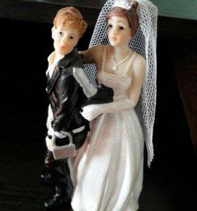 Статуетка для свадебного торта