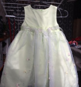 Платье нарядное 4 -5 лет