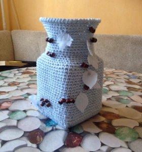 Вязаная ваза для цветов
